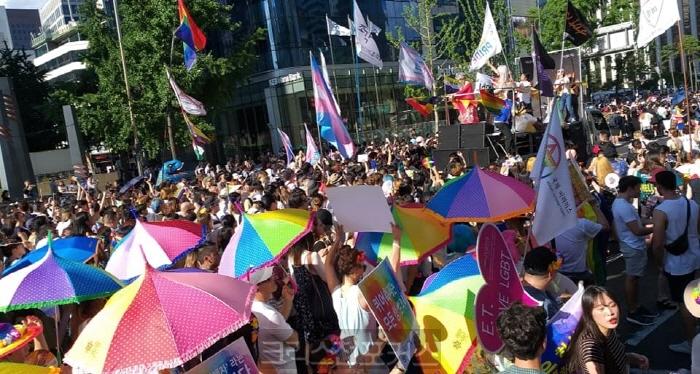 [포토] 홍정식 대표 동성애 반대 시위