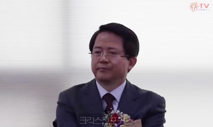 [속보] 총신대 법인이사장 김동욱 교수 돌연 사표